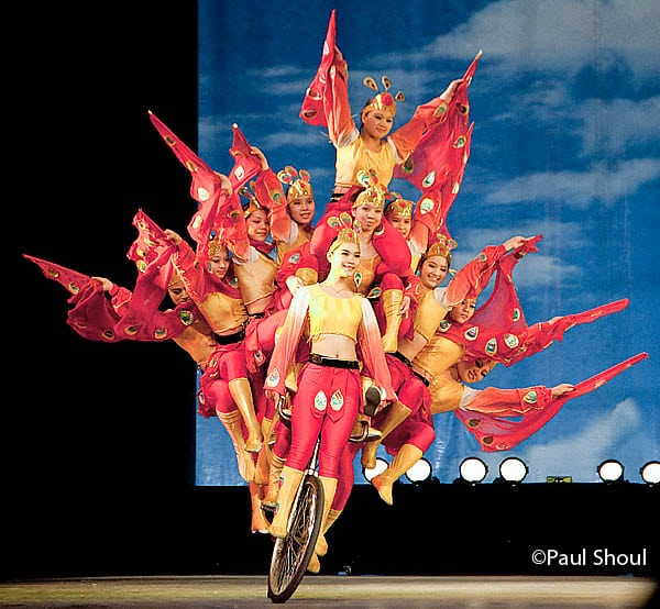 shanghai acrobatic troupe  bike paul shoul