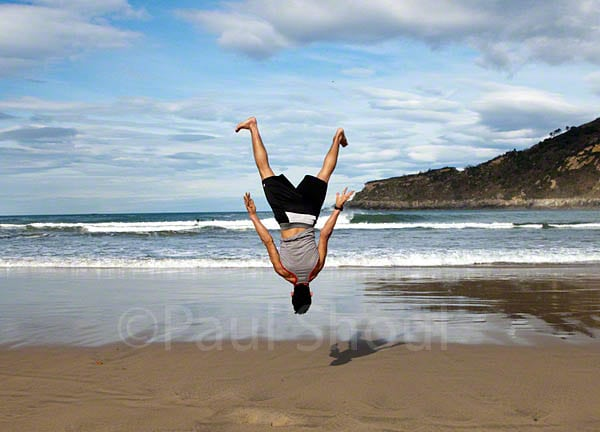 san sebastian beach a man a flips out