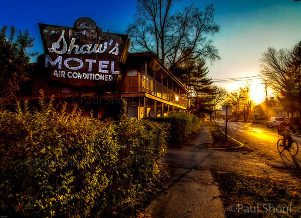 shaw's motel northampton ma photo by paul shoul