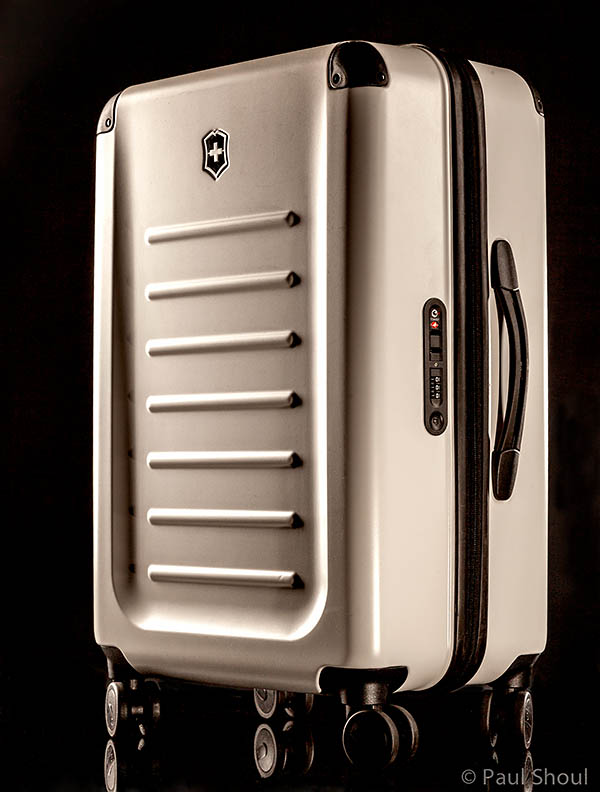 spectra-2.0-26-victorinox travel case in white