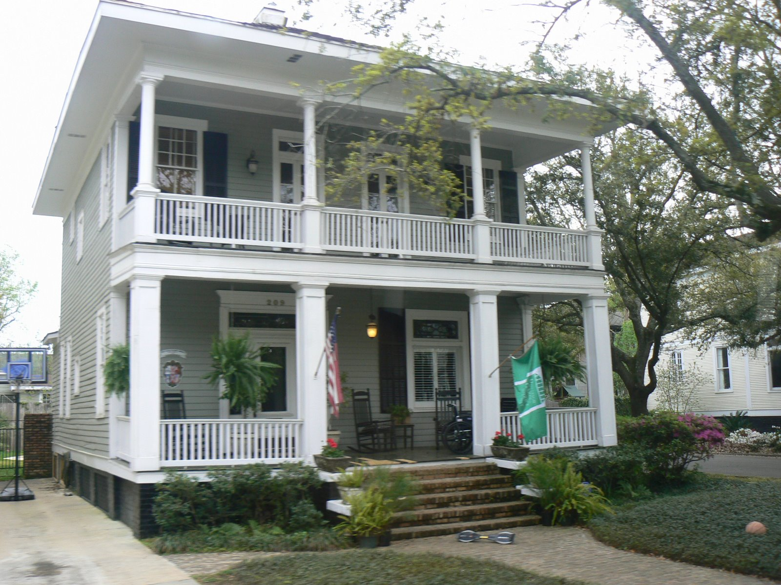 Cajun and creole cottages in mobile for Cajun cottages